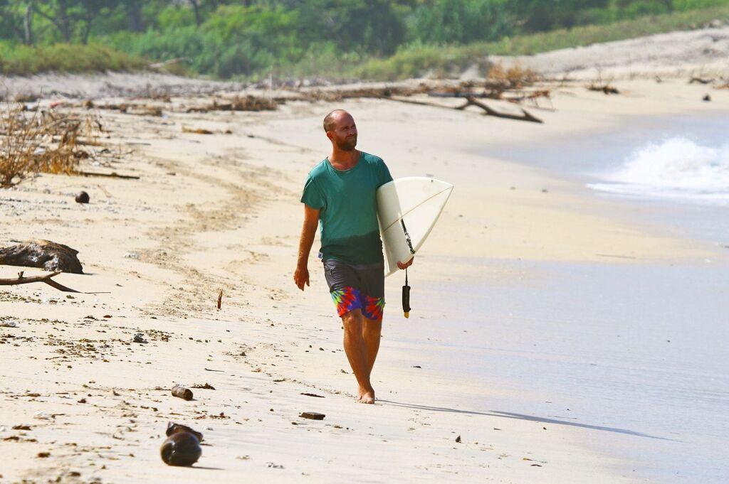 chapin kreuter digital nomad and surf entrepreneur