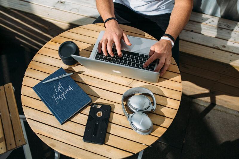 Digital nomad gifts