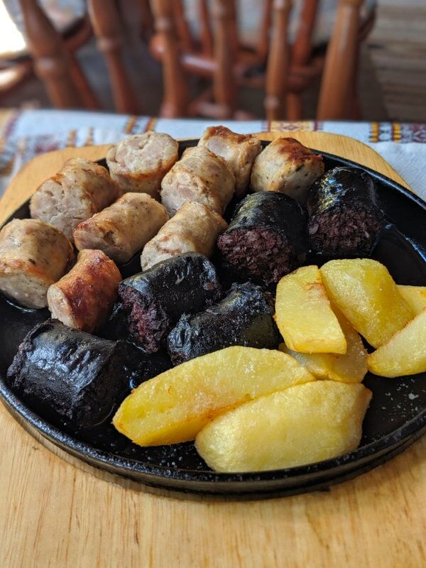 Black pudding, white pudding, and thick fries